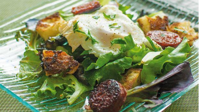 Chorizo poached egg salad