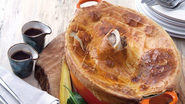 Braised shin pie