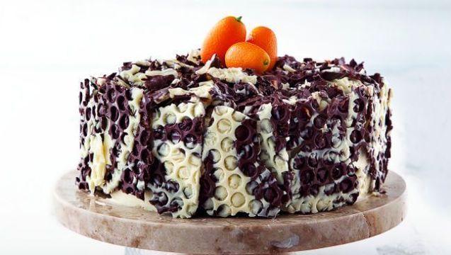 Bubble wrap chocolate cake