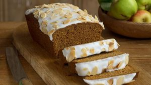 Edward Hayden\'s ginger and apple loaf cake
