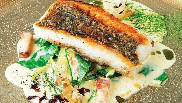 Pan-roasted hake, sea spinach, smoked bacon, dashi cream & sea lettuce