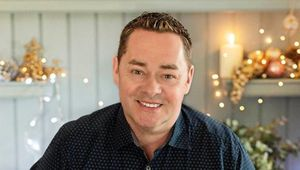 Thumb_neven_maguire_main