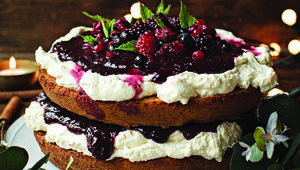 Thumb_mulled_winter_berry_victoria_sponge_main