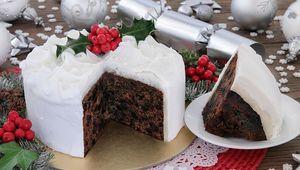 Thumb_christmas_cake_istock
