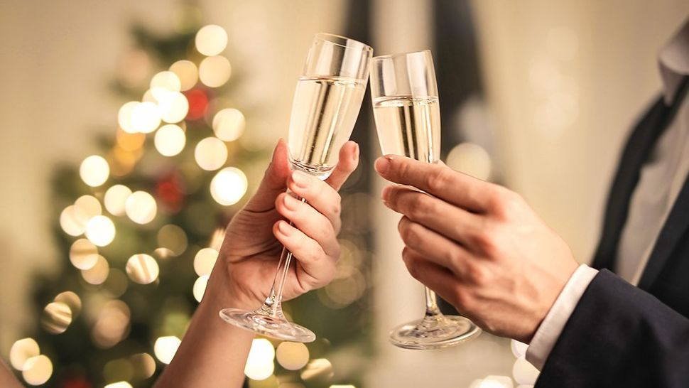 Featured_getty_champagne_new_years_main