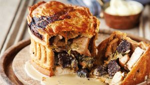 Thumb_kevin_dundon_chicken_pie_main