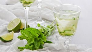 Gin & Tonic Jelly With Elderflower Cordial