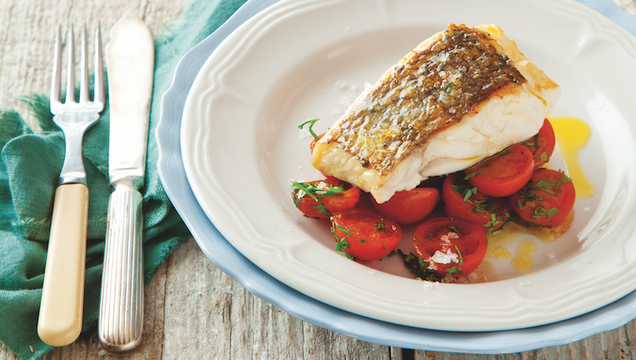 10-minute fish with tomatoes and herbs