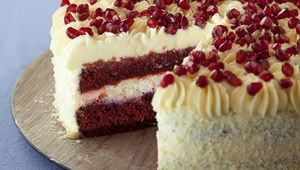 Thumb red velvet cheesecake louise lennox pic by harry weir