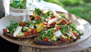 Thumb_chicken_tartine_fallon_and_byrne_picnic_main
