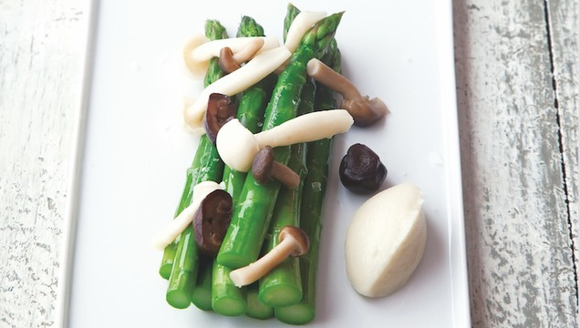 Green Asparagus, Artichoke Purée, Pickled Mushrooms