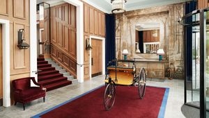 Thumb_4._enterance_of_the_carriage_house