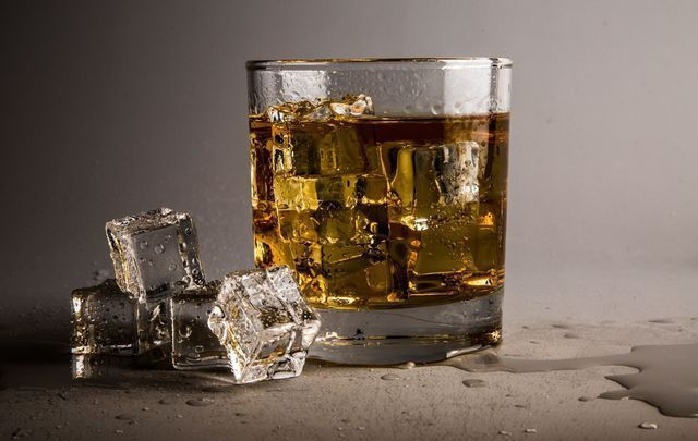 Featured_whiskey_health_benefits_science