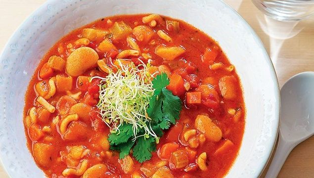 Chunky butterbean minestrone soup