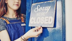 Thumb_getty_closed_sign_main