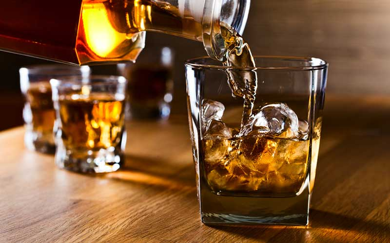 Whiskey-ice-gettyimages-533957701