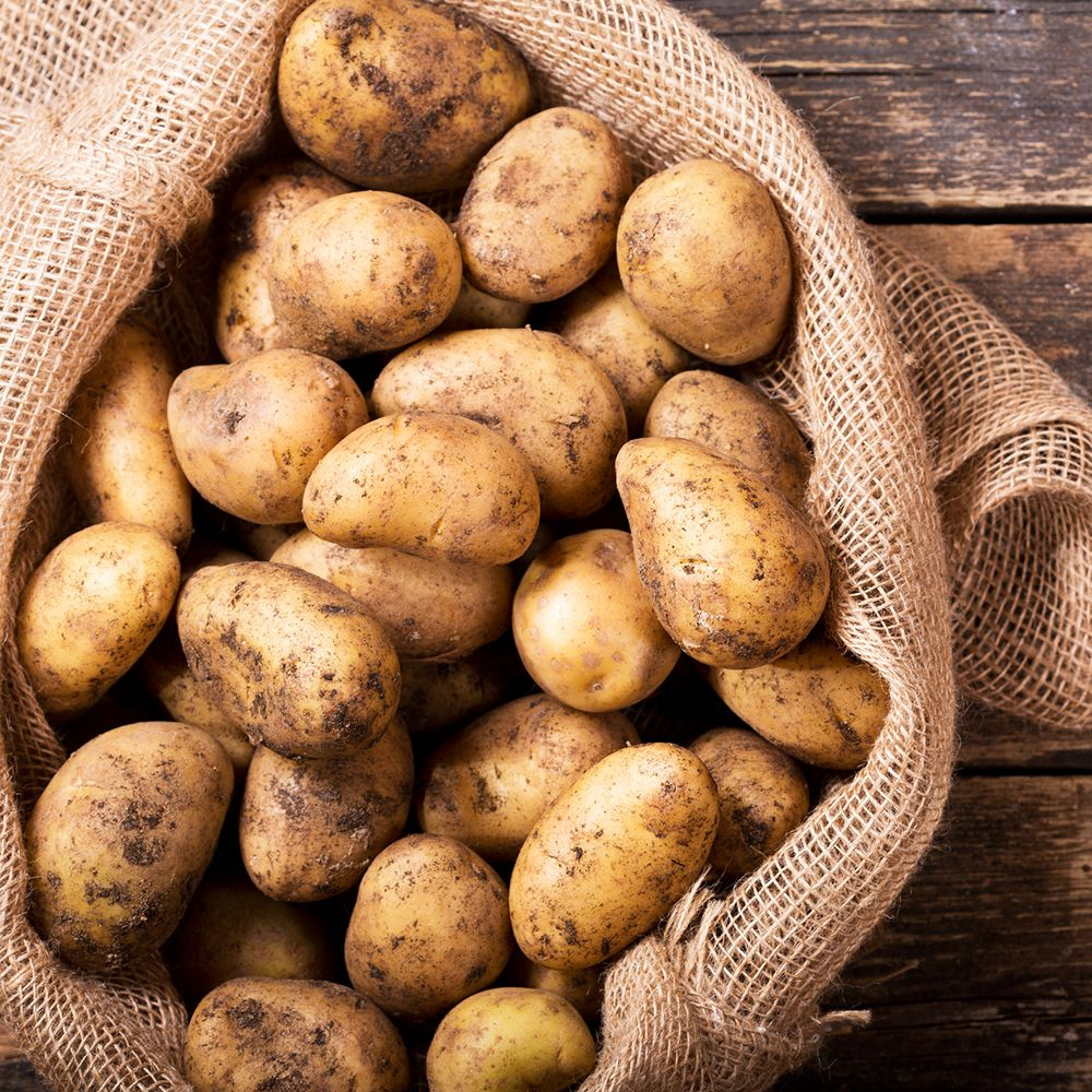 Potatoes_in_sack_gettyimages-698717842_insta