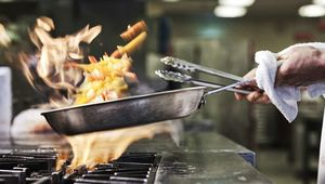 Thumb_kitchen-restaurant-gettyimages-945578702