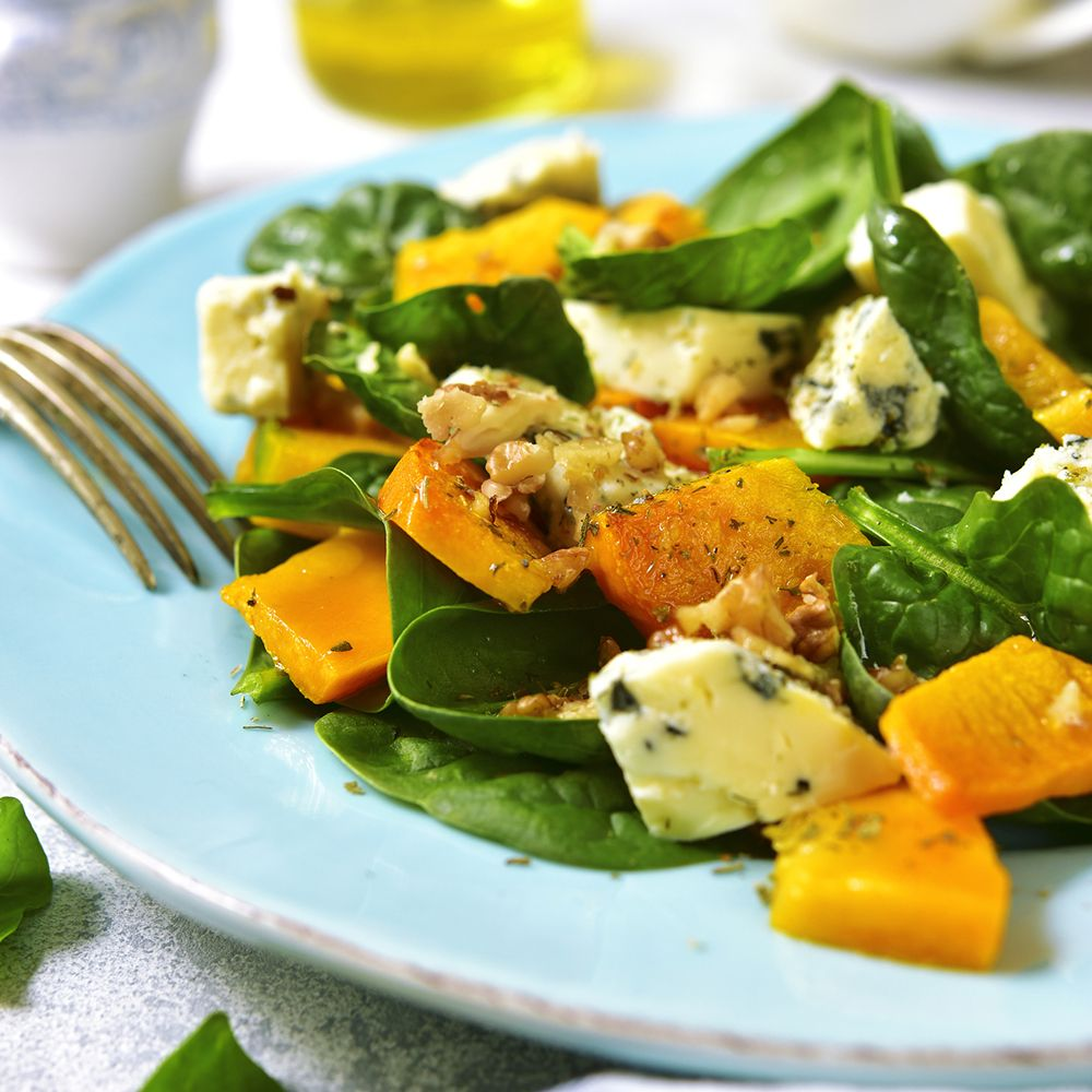Blue_cheese_salad_gettyimages-857472650_edit