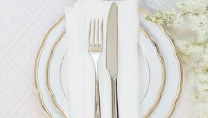 Thumb_table_setting_gettyimages-485530294_what_to_cook_insta
