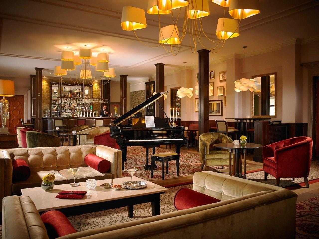 Brehon_bar_at_knockranny_house_hotel
