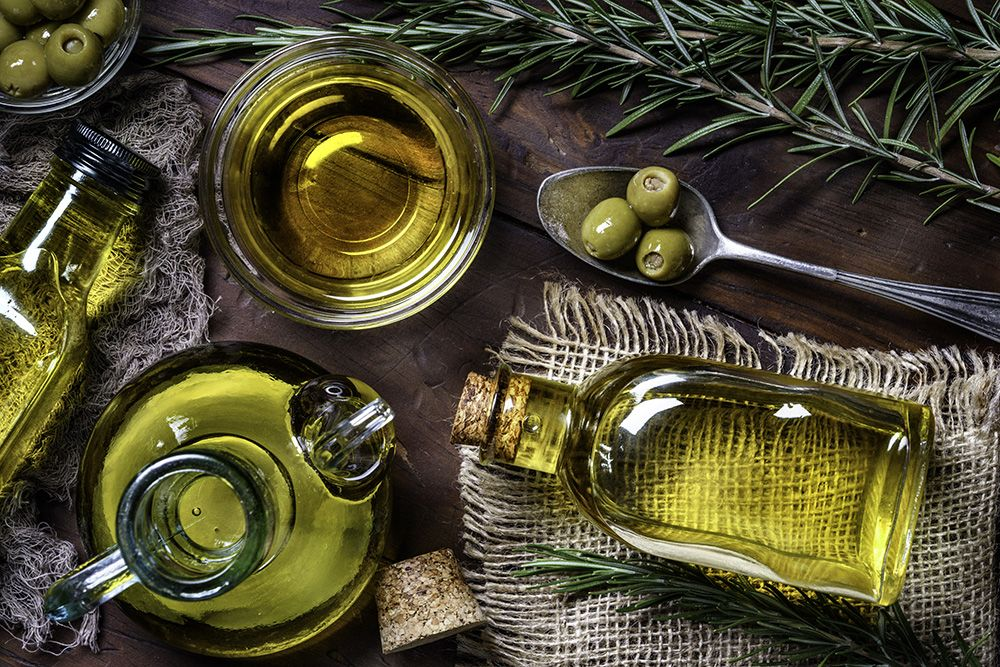 Olive-oil-gettyimages-1176912780