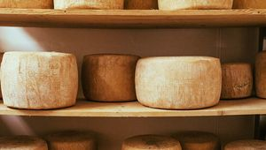 Thumb_cheese_on_shelves_gettyimages-551985175_edit