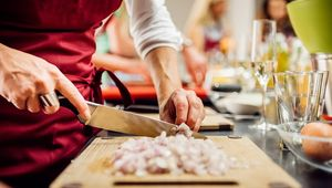 Thumb cooking class gettyimages 668771707