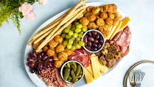 Thumb_cheesy-gougere-platter