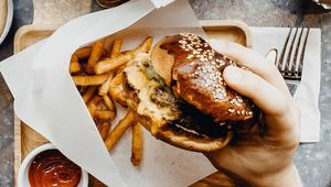 Thumb_burgers_in_handgettyimages-1149726287_edit