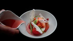 Thumb_cliff_house_hotel_strawberry_copy