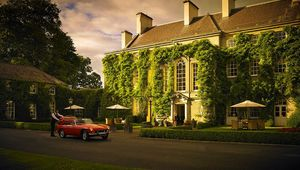 Thumb_mount_juliet_estate_exterior_evening_light_edit_flip