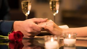 Thumb_getty_romantic_restaurant_main