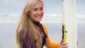Thumb_finn_with_surf_board_main