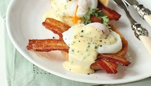 Thumb_eggs_benedict_main