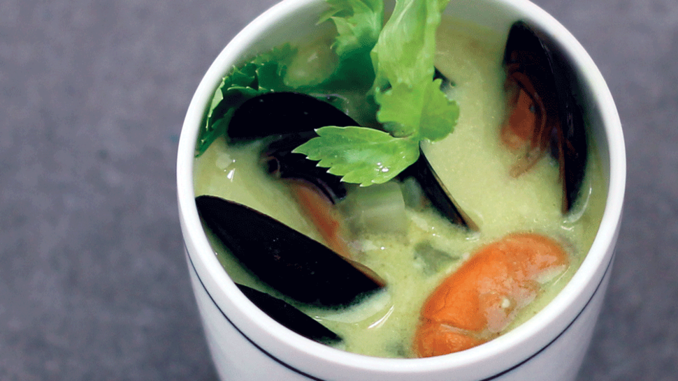 Featured_extreme-greens-mussel-soup_main