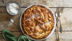 Mum\'s apple tart with the famous Cullahill pastry