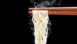 Thumb_getty_noodles_chopsticks_main
