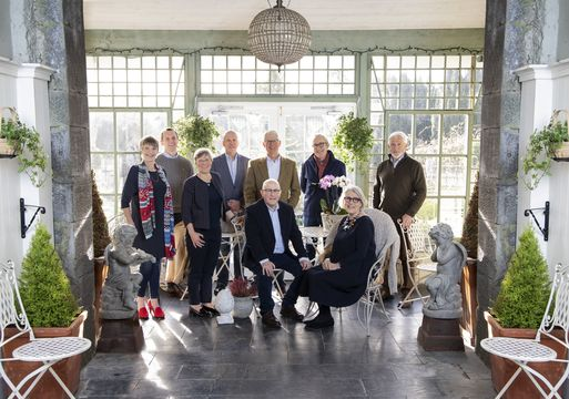 The O\'Connell Family (excluding the eldest, William, but including his son Paddy O\'Connell) at Durrow Castle, Co. Laois.