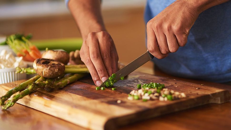Featured_getty_cooking_hands_main
