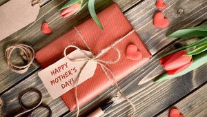 Thumb_getty_mother_s_day_present_main
