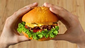 Thumb_getty_burger_in_hands_main