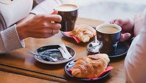 Thumb getty coffee shop main