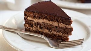 Thumb chocolate fudge cake