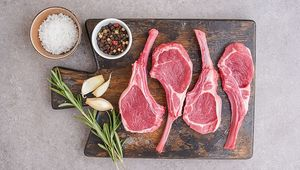Thumb_getty_lamb_chops_raw_main
