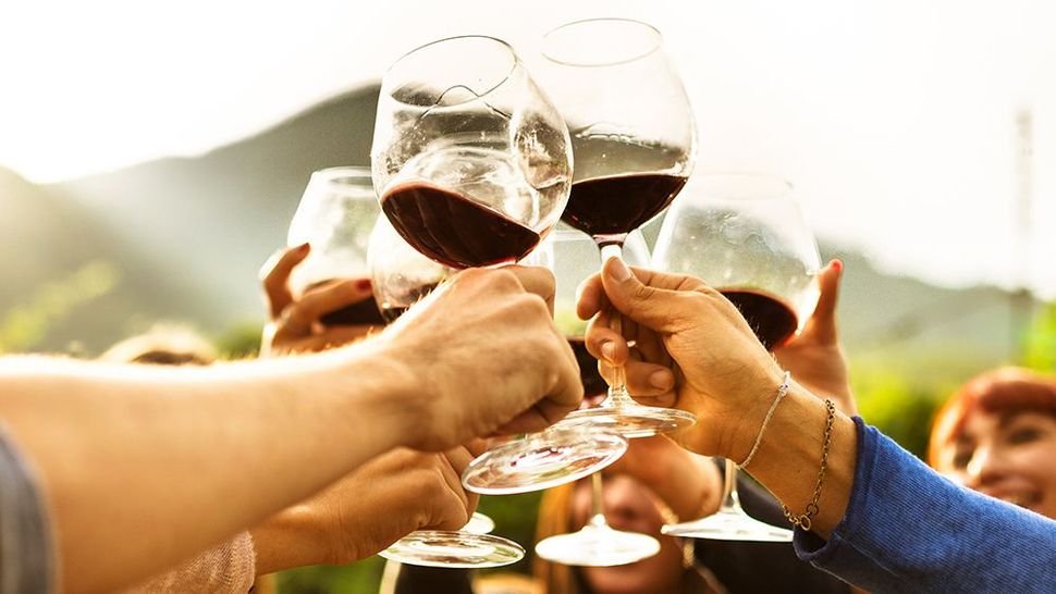 Featured_cheers_red_wine_getty_main