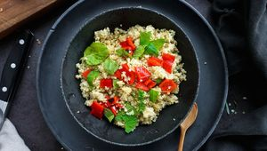Quinoa with grilled peppers and mint