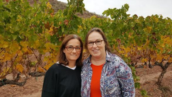 The women behind Rós wine, Alicia Eyaralar with Lynne Coyle (right).