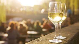 Thumb_getty_white_wine_main