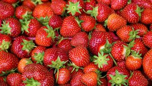 Thumb_strawberries_gettyimages-984268058_main